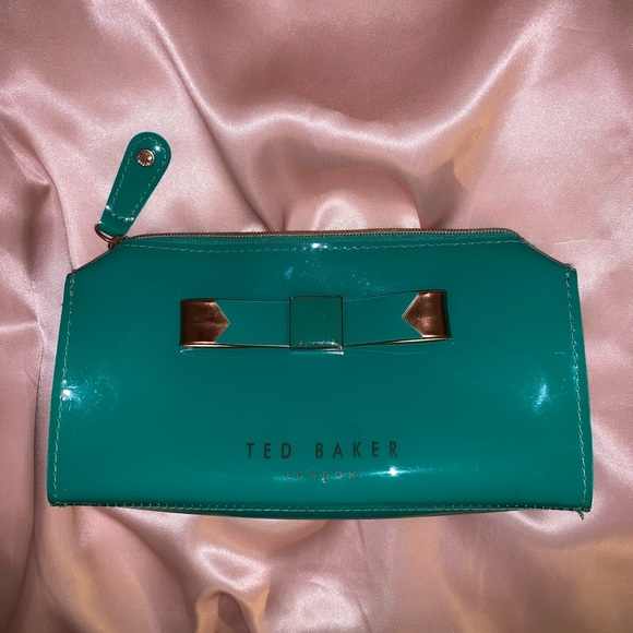 Ted Baker London Handbags - Ted Baker London Sahra Makeup Bag 🦚